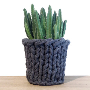 Knitted Pot Charcoal