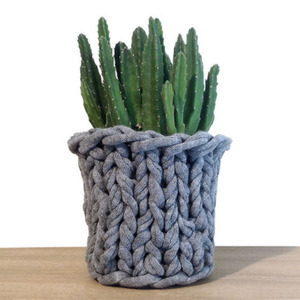 Knitted Pot Grey