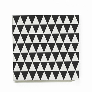 Triangle Napkin - black