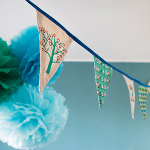 'Chief' mini bunting